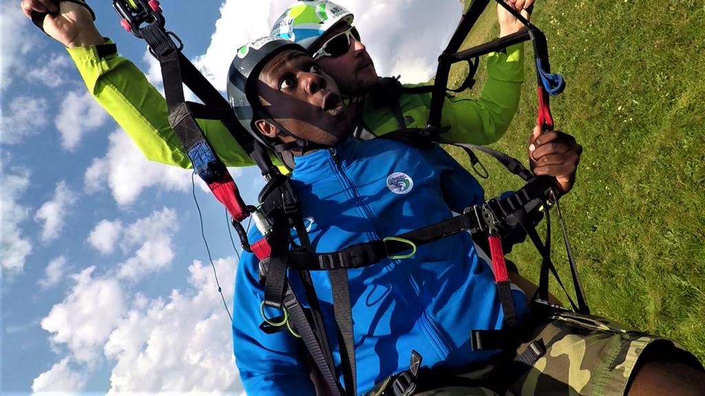 Photo vol en parapente acrobatique Puy de Dôme